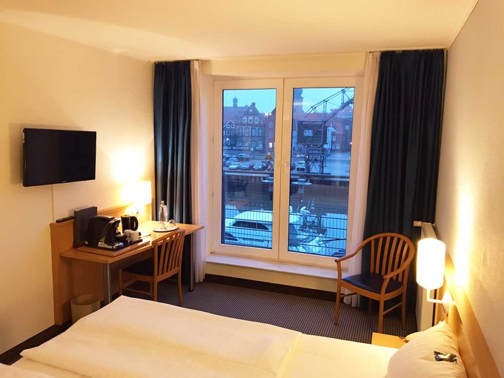 room-with-harbour-view